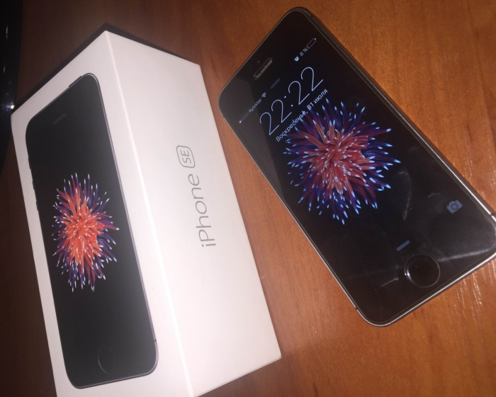 /source/pages/phonesell/iphone/iPhone_SE_(64GB)_rose_gold/iPhone_SE_(64GB)_rose_gold4.jpg