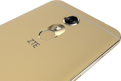 /source/pages/phonesell/zte/ZTE_Blade_A910_gold/ZTE_Blade_A910_gold1.jpg