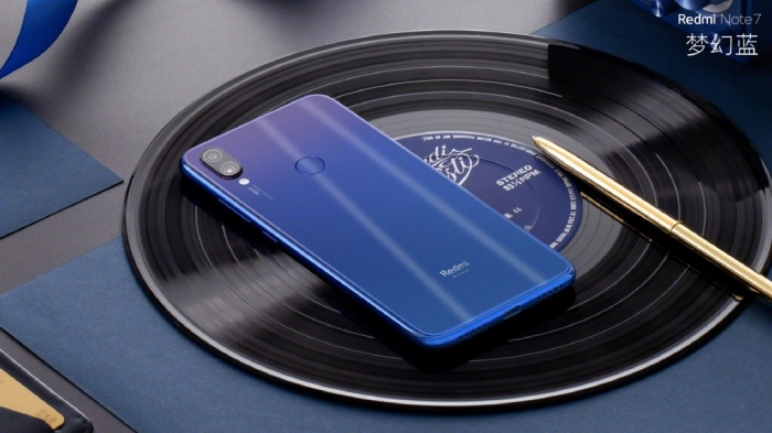 /source/pages/phonesell/xiaomi/Xiaomi_Note_7_32gb_blue/Xiaomi_Note_7_32gb_blue4.jpg